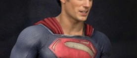 'MAN OF STEEL' Set Photos Show Superman's Abs of Steel