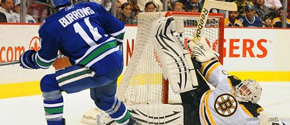 TIM THOMAS: DAREDEVIL IN NET